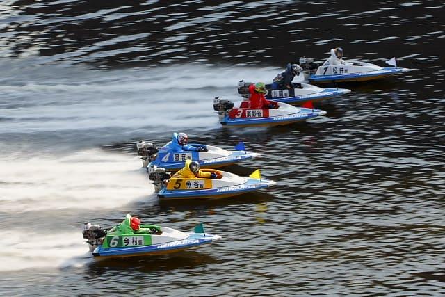 競艇予想サイトは無料で利用できるの?